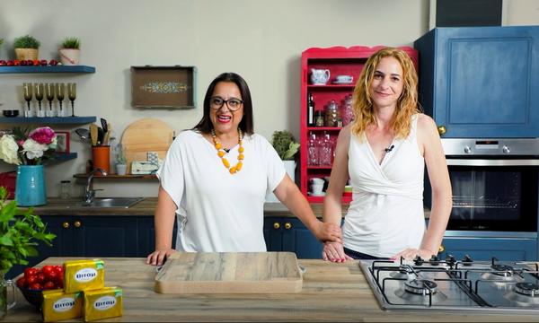 H Mamatsita φτιάχνει τάρτα τυριών μαζί με την τυχερή του διαγωνισμού Mom to Mom by ΒΙΤΑΜ (vid)