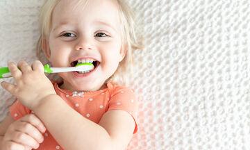 5+1 tips για τη στοματική υγιεινή του μωρού (pics)