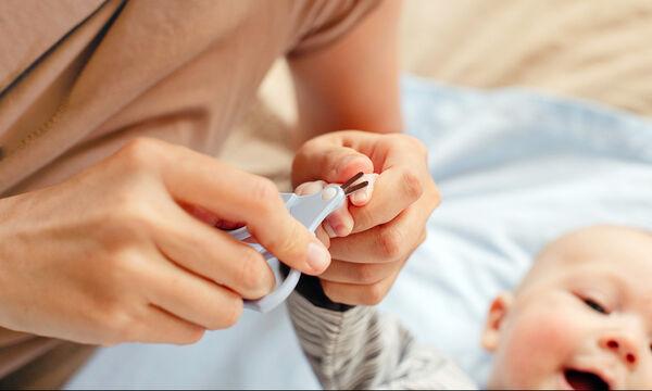 Πώς θα κόψετε τα νύχια του μωρού σας με ασφάλεια (vid)