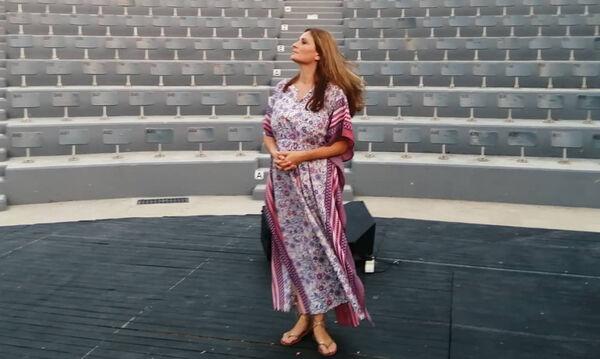 Θεοφανία Παπαθωμά: Ποζάρει με μαγιό και μας δείχνει την μικρότερη κόρη της (pics)