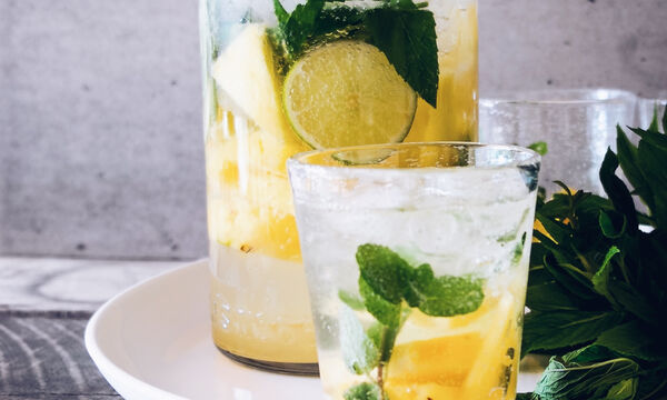 Έξυπνα και εύκολα τρικς για να πίνεις περισσότερο νερό