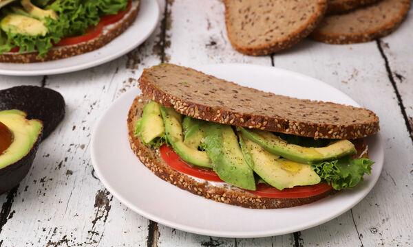 Sandwich με αβοκάντο - Νόστιμο και ελαφρύ