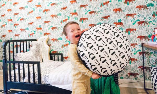 Διάσημη ηθοποιός άλλαξε το δωμάτιο του γιου της και μας δείχνει όλη τη διαδικασία  (vid & pics)