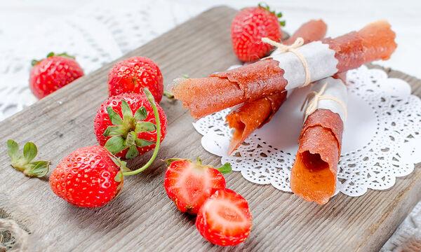 Φραουλένια roll-ups χωρίς ζάχαρη για τα παιδιά και όχι μόνο (vid)