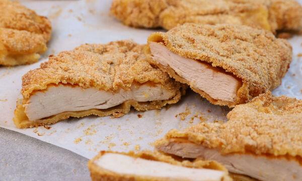 Συνταγή για να φτιάξετε σνίτσελ κοτόπουλο στο φούρνο