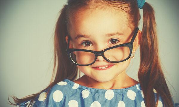 Πώς θα καταφέρετε τα παιδιά σας να φοράνε τα γυαλιά όρασής τους