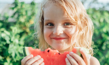 Αυτές οι πέντε τροφές δεν πρέπει να λείπουν από το διατροφολόγιο του παιδιού σας (pics)