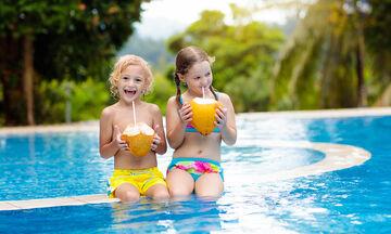 Ποιoς είναι ο καλύτερος τρόπος ενυδάτωσης για τα παιδιά νηπιακής ηλικίας;