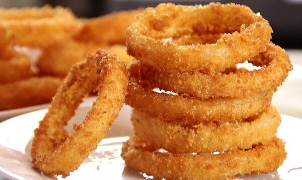 Σπιτικά onion rings - Μια συνταγή που θα λατρέψουν τα παιδιά (vid)