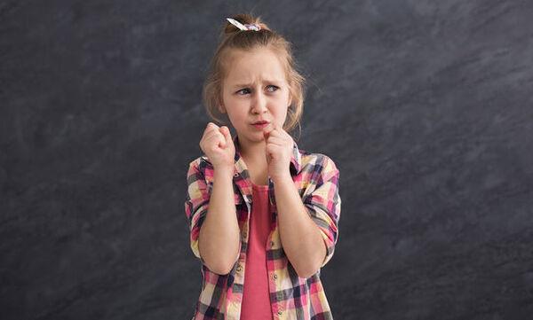 Πώς να διαχειριστείτε τη γκρίνια και τα μούτρα του παιδιού