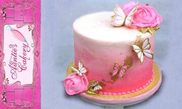 Παραμυθένια τούρτα με πεταλούδες για κορίτσια - Δείτε πώς θα την φτιάξετε (vid)