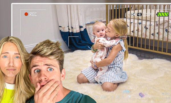 Αυτό το κοριτσάκι προσέχει τον μικρό της αδερφό και δε φαντάζεστε τι κάνει ενώ δεν την βλέπουν (vid)