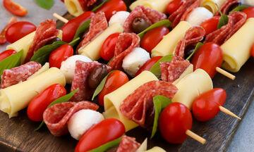 Σουβλάκια με ντοματίνια & mozzarella