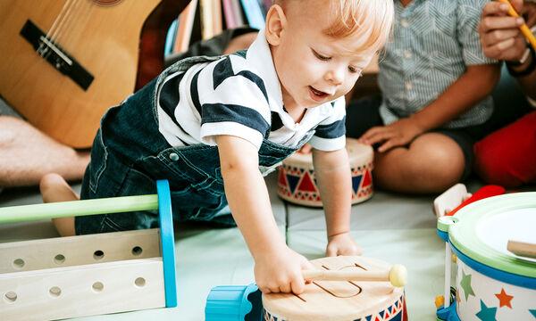 7 λόγοι για να ασχοληθεί το μωρό σας με τη μουσική