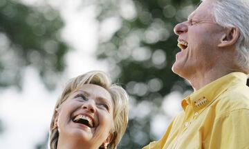 Hillary Clinton: Δε φαντάζεστε με ποια φώτο ευχήθηκε στον σύζυγό της για τα 73α γενέθλιά του (pics)