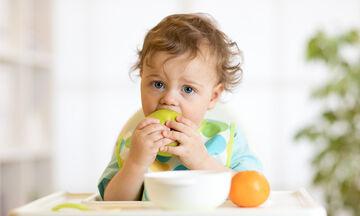 Αυτά είναι τα κατάλληλα τρόφιμα για ένα μωρό ενός έτους (vid)