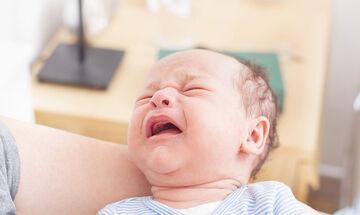 Κολπάκια για να ανακουφίζετε το μωρό όταν έχει αέρια (vid)