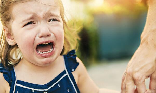 Έτσι θα σταματήσετε με επιτυχία το κλάμα των παιδιών σας (vid)