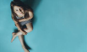 Τι θέλει μια ψυχολόγος να γνωρίζουν οι γονείς που βάζουν τα παιδιά τους σε «time out»