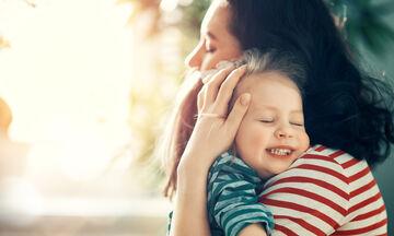 Ποια είναι η επίδραση της αγκαλιάς στα παιδιά;