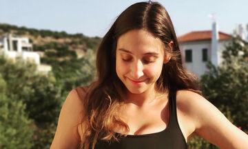 Φωτεινή Αθερίδου: Λίγο πριν γεννήσει θυμόμαστε όλες τις φορές που πόζαρε με φουσκωμένη κοιλίτσα