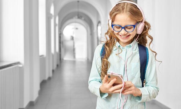 Επιτρέπεται η χρήση κινητών τηλεφώνων από μαθητές στα σχολεία;
