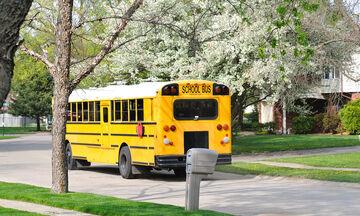 Γι' αυτό το λόγο όλα τα σχολικά λεωφορεία πρέπει να έχουν ζώνες ασφαλείας (vid)