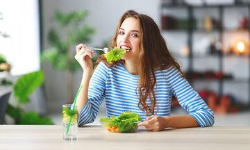 Πώς θα επανέλθουμε στην ισορροπημένη διατροφή μετά τις καλοκαιρινές διακοπές;