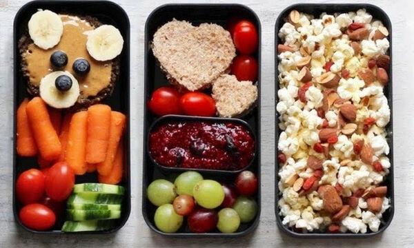 Σχολικό κολατσιό: Νόστιμες και υγιεινές ιδέες για φαγητό στο σχολείο (vid)