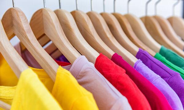Έτσι θα εξαφανίσετε τον λεκέ από μαρκαδόρο στα ρούχα με τρία απλά βήματα (vid)