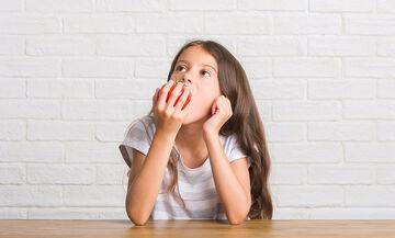 10 τροφές που κάνουν καλό στον εγκέφαλο του παιδιού (pics)