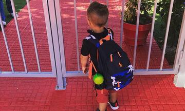 Πρώτη φορά στον παιδικό σταθμό - Η Ελληνίδα μαμά έστειλε τον γιο της στο σχολείο (pics)