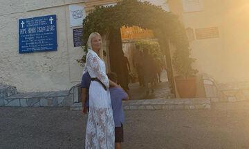 Η φωτογραφία της Φαίης Σκορδά με τον γιο της και τα σχόλια διάσημων Ελληνίδων μαμάδων (pics)
