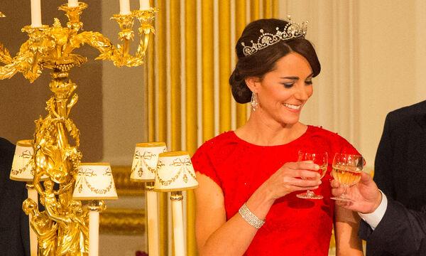 Είκοσι πράγματα που θα συμβούν αν η Kate Middleton γίνει βασίλισσα (vid)