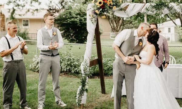 Σε αυτό τον γάμο την παράσταση έκλεψε η παράνυμφος - Αξίζει να δείτε το λόγο (vid)