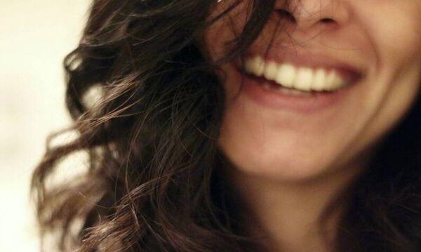 Της βγήκε σε... κακό: Δεν φαντάζεσαι τι έπαθε αυτή η γυναίκα από το πολύ γέλιο (pics)