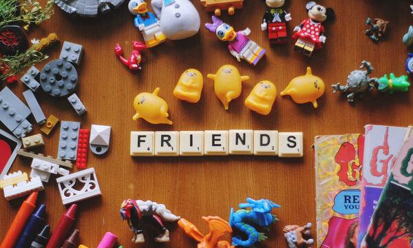 4 φράσεις που θα σου πουν οι φίλες που έκαναν παιδιά μετά από σένα
