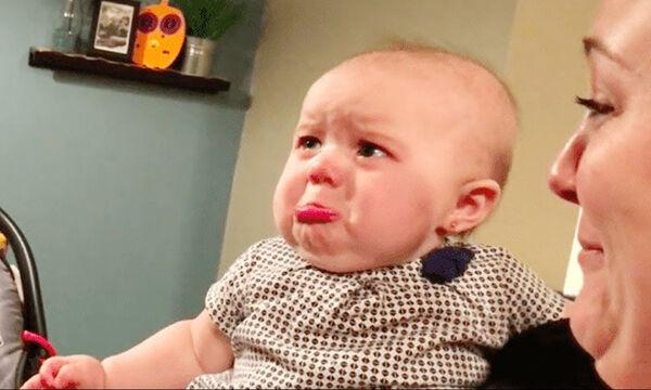 Οι αντιδράσεις αυτές των μωρών όταν ανακαλύπτουν νέα πράγματα είναι απλά ξεκαρδιστικές (vid)
