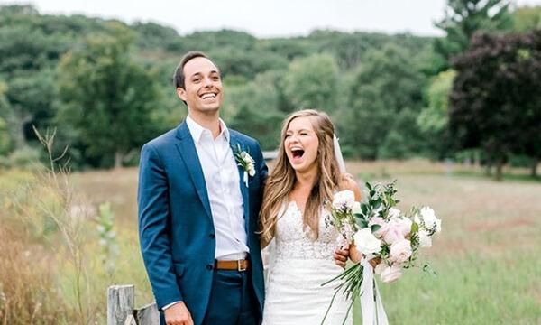 Δείτε τι εμφανίστηκε ενώ ετοιμάζονταν για τη φωτογράφιση γάμου (pics)