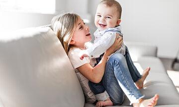 Γιατί τα παιδιά με μεγαλύτερο αδελφό αργούν συνήθως να μιλήσουν;
