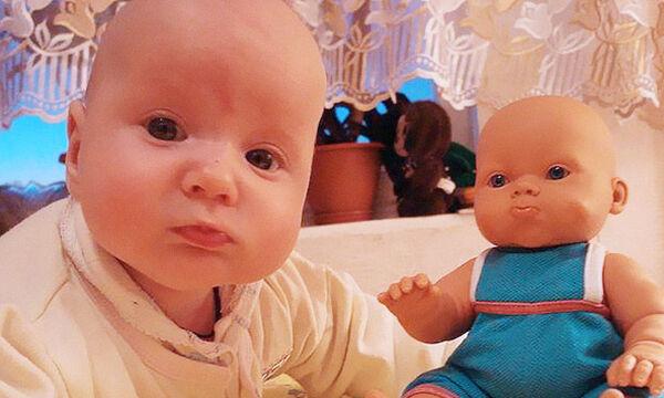 Απίστευτο! Αυτά τα μωράκια είναι ίδια με τα... παιχνίδια τους (pics)