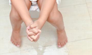 Παιδί και δυσκοιλιότητα: 17 τροφές που συμβάλουν στην αντιμετώπισή της