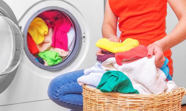 Πέντε λάθη που όλοι κάνουμε όταν βάζουμε πλυντήριο (vid)