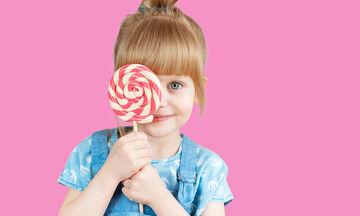 Τελικά συμβάλλει η κατανάλωση ζάχαρης στο να γίνουν τα παιδιά υπερδραστήρια;