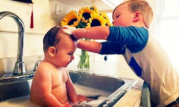 Τι μπορεί να συμβεί όταν τα μεγαλύτερα αδέλφια προσέχουν τα μικρότερα;  Δείτε το βίντεο (vid)