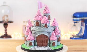 Πανεύκολη τούρτα κάστρο για τη μικρή σας πριγκίπισσα - Δείτε πώς θα τη φτιάξετε (vid)