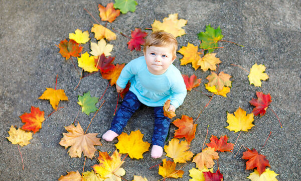Μωρό 12 μηνών: Τι είδους επικοινωνιακές δεξιότητες έχει σε αυτήν την ηλικία; (vid)