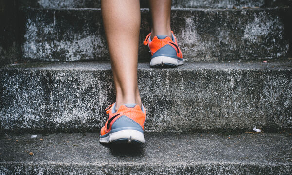 Το πιο γρήγορο πρόγραμμα γυμναστικής για εσένα που δεν προλαβαίνεις ποτέ (vid)