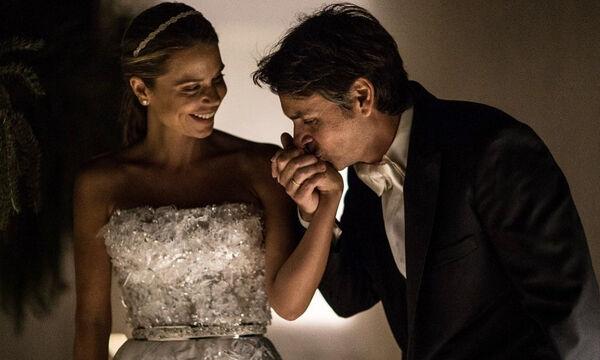Κριθαριώτης-Δαρίβα: Αδημοσίευτες φωτογραφιές από τον λαμπερό τους γάμο στη Μύκονο (pic)
