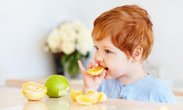 Πορτοκάλι στη διατροφή του μωρού: Ποια είναι τα οφέλη και από πότε μπορεί να αρχίσει να το τρώει;